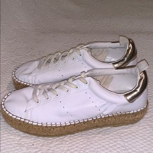 Sz 8 white leather platform Steve Madden sneaker